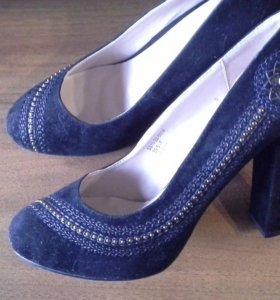 Новые туфли р. 39,5