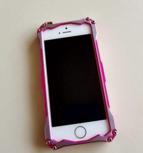 Продам iPhone5s 32гб золотой + чехол
