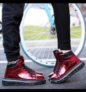 Обувь Кроссовки новые унисекс  42 размер