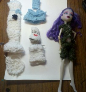 Вяжу одежду для кукол