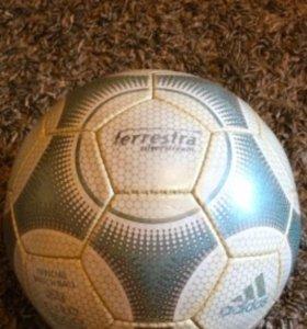 Футбольный мяч Адидас Террестра