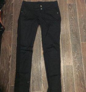 Джинсы/брюки 46 размер