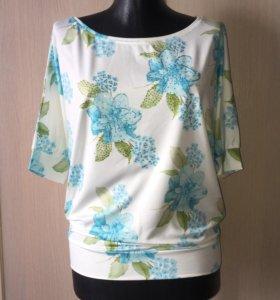 Блузка со стразами голубая