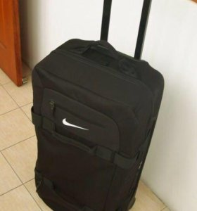 НОВЫЙ чемодан NIKE!!