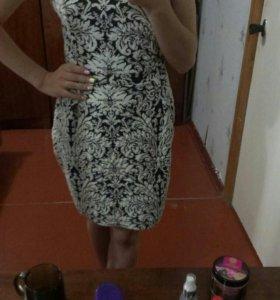 Чёрно-белое платье xs odji