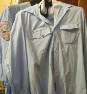 Рубашки полиции.