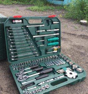 Новый набор инструментов SATA на 121 предмет.