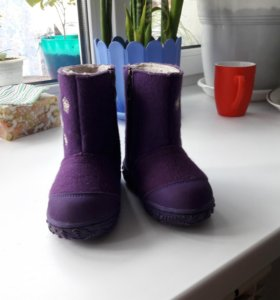 Продам сапожки на девочку(зима)