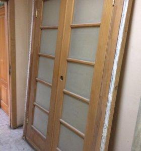 Дверь деревянная двустворчатая