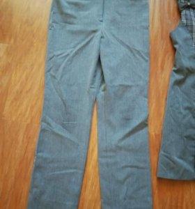 Школьные брюки на девочку.