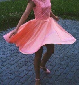 Срочно продам!!!!Персиковое платье