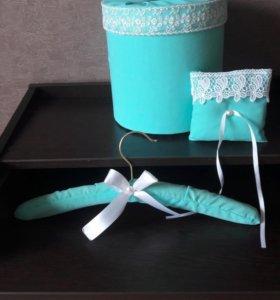 Банк подушка и вешалка для свадьбы