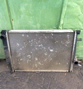 Радиатор охлаждения на bmw бмв Е32