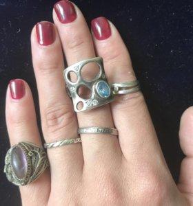 Серебряные кольца разный размер