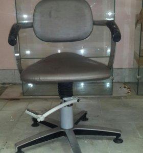 Кресла парихмахерскии