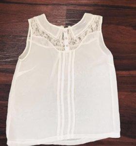 Лёгкая блузка с кружевным верхом