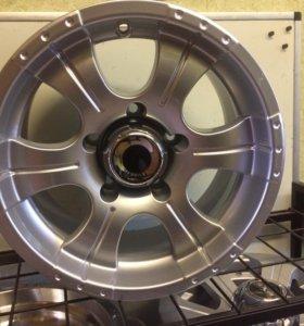 Новые литые диски на УАЗ р16