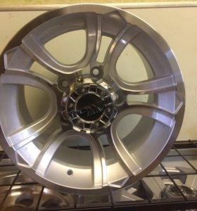 Новые литые диски на УАЗ и ниву R15