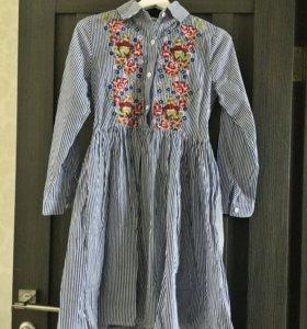 Платье полосатое с вышивкой новое с этикеткой