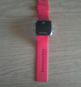 Часы (красные)