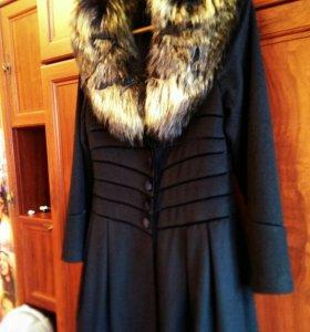 Пальто осеннее с натуральным мехом