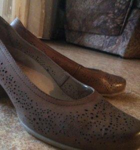 Туфли (бренд Каприз) почти новые