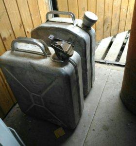 Канистры по 20 литров