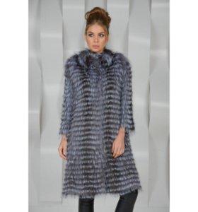 Пальто из чернобурки( натуральный мех)