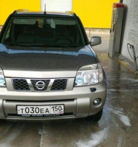 Nissan x-tralil