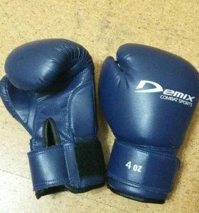 Боксерские перчатки-детские.