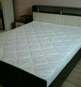 Кровать 180/200 с матрасом Новая!