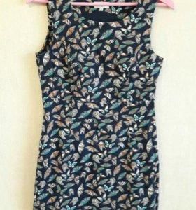 Платье из натуральной ткани, с подкладом.