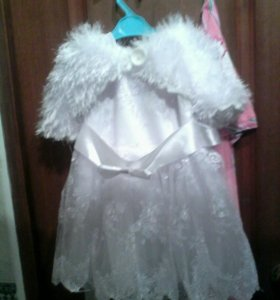 Платье с меховушкои