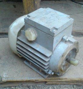 Эл.двигатель90ватт,2820об/мин