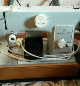 Швейная машина Чайка 132 М
