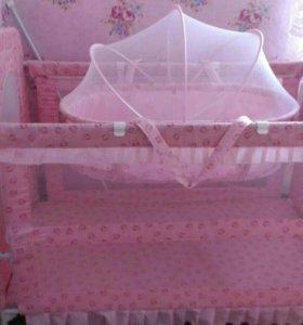 Кроватка детская (для девочки)