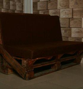 Диван + стол из поддонов (палет).