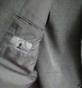 Костюм- тройка мужской, серый