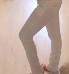 Белые брюки р 40-42