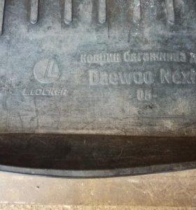 Коврик в багажник(Daewoo Nexia)
