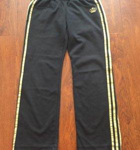 Женские спортивные штаны фирмы - Adidas