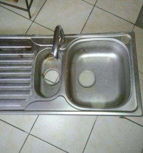 Мойка с краном для кухни