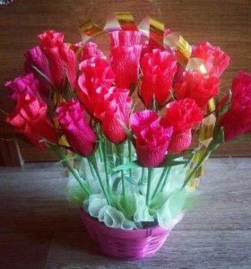 Сладкие розы из конфет