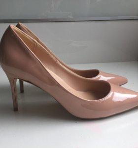 Лакированные туфли 38 размер