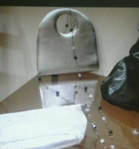 Чёрные бежевые сумки