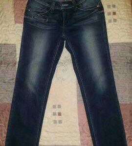 Продам джинсы Levi's
