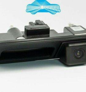 Камера заднего вида с ручкой багажника