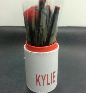 Kylie Набор кистей для макияжа 12 шт