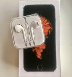 Наушники Apple на iPhone