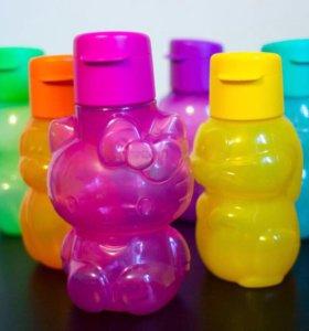 Бутылочка Hello Kitty от Tupperware